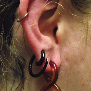 Glass double twists 8g  Amber (pair)