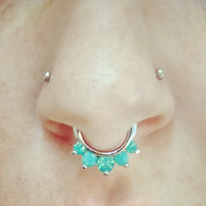 Faceted opalite crown septum clicker 14g  Green