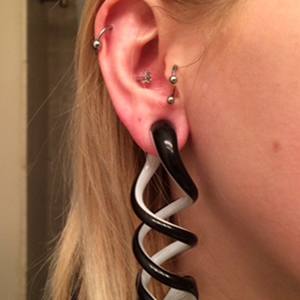 Pyrex glass tentacles (Layered black and white) 0g  (pair)