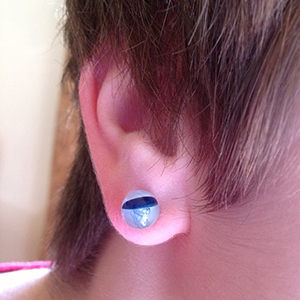 Pyrex glass jellyfish plugs (Blue moon on white) 8g  (pair)