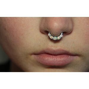 """Synthetic opal septum clicker 14g 1/4"""" White opal"""